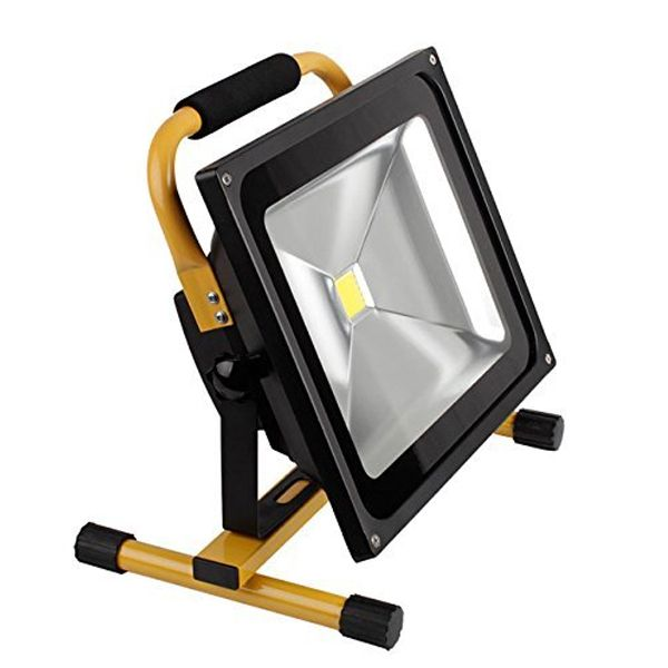 projecteur led portable rechargeable 50w 5000lm ip65 jaune. Black Bedroom Furniture Sets. Home Design Ideas